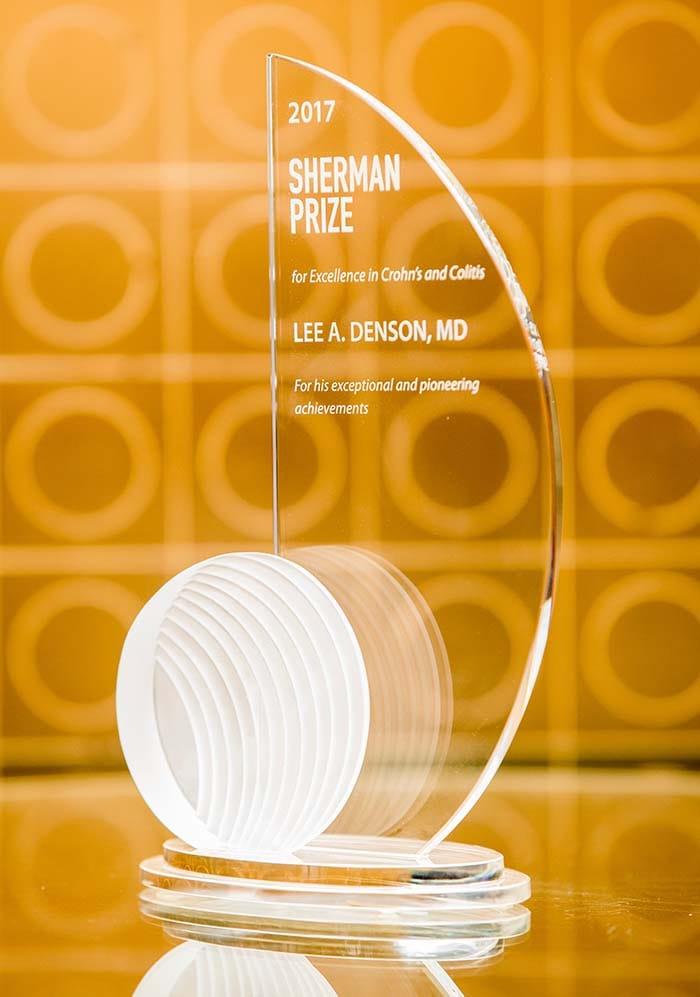 <p>2017 Sherman Prize Award - Dr. Lee Denson</p>